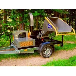 Puiduhakkur RTH25K4  23,5 hj Köhler bensiinimootoriga ja  etteveoga